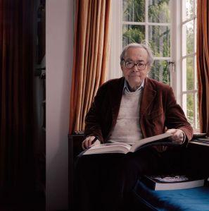 George Steiner en su casa GB, 2005 por Peter Marlow Magnum fotos